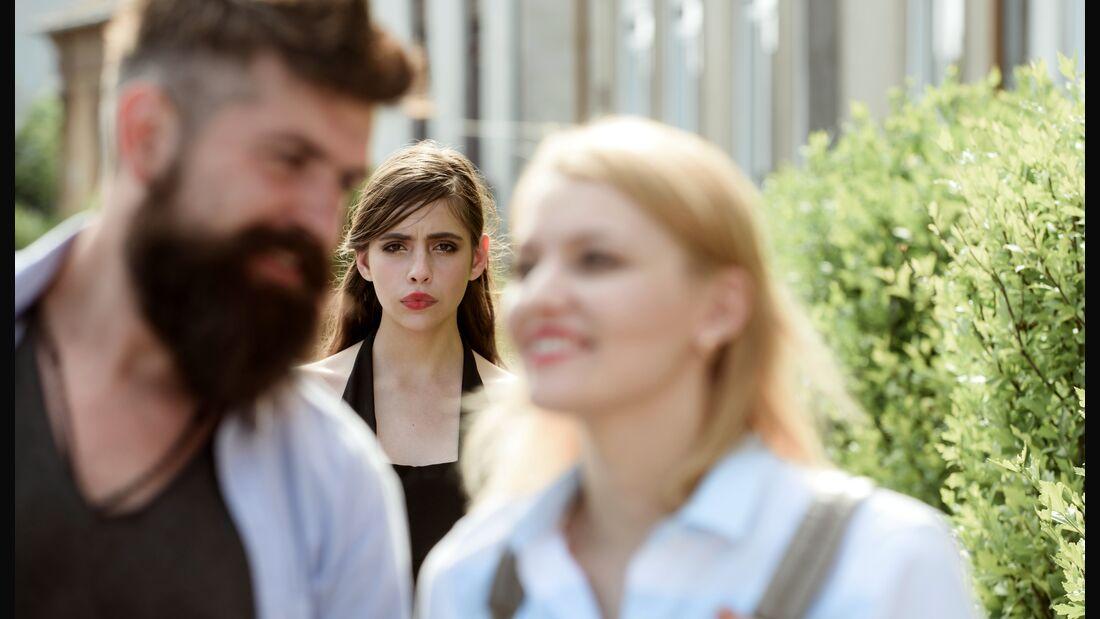 5 Situationen, in denen Eifersucht angebracht ist