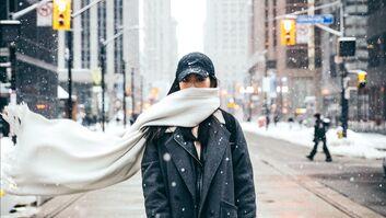 9 Techniken, einen Schal super schön zu binden