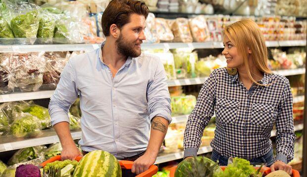 Auch der Supermarkt kann sich als Flirt-Spot eignen.