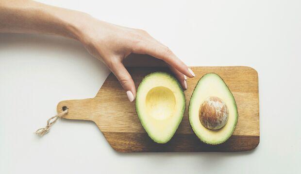 Avocados liefern gesunde ungesättigte Fettsäuren