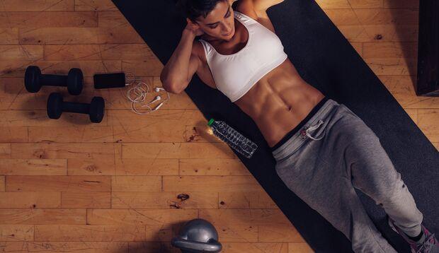 Bauchmuskeln werden bei einer geringen Körperfettanteil sichtbar