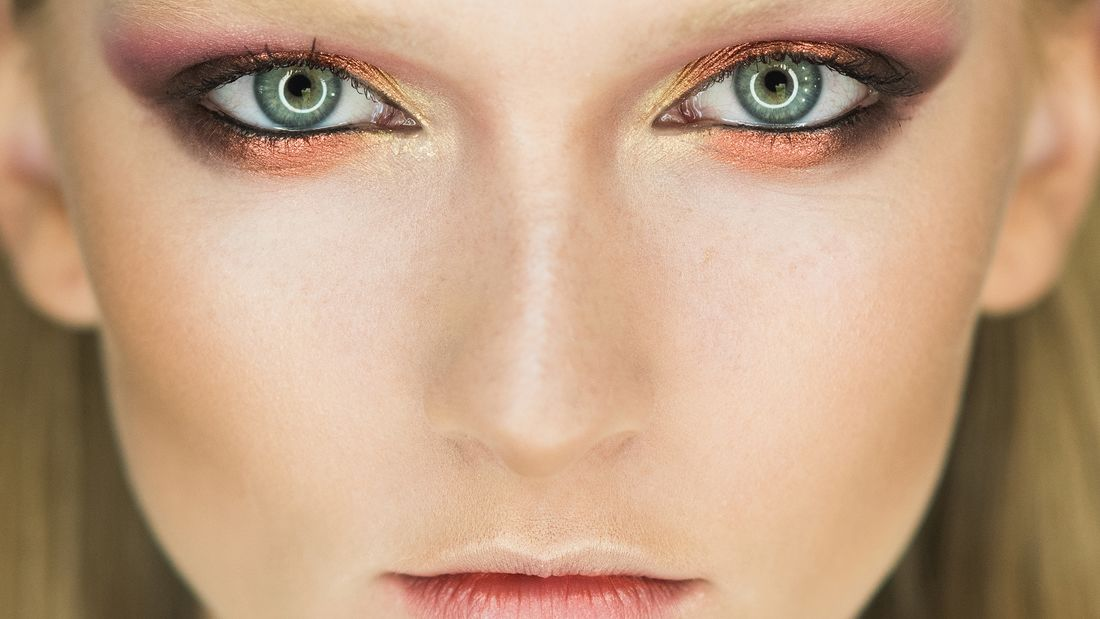 Beauty-Sünde: Angestrengte Mimik