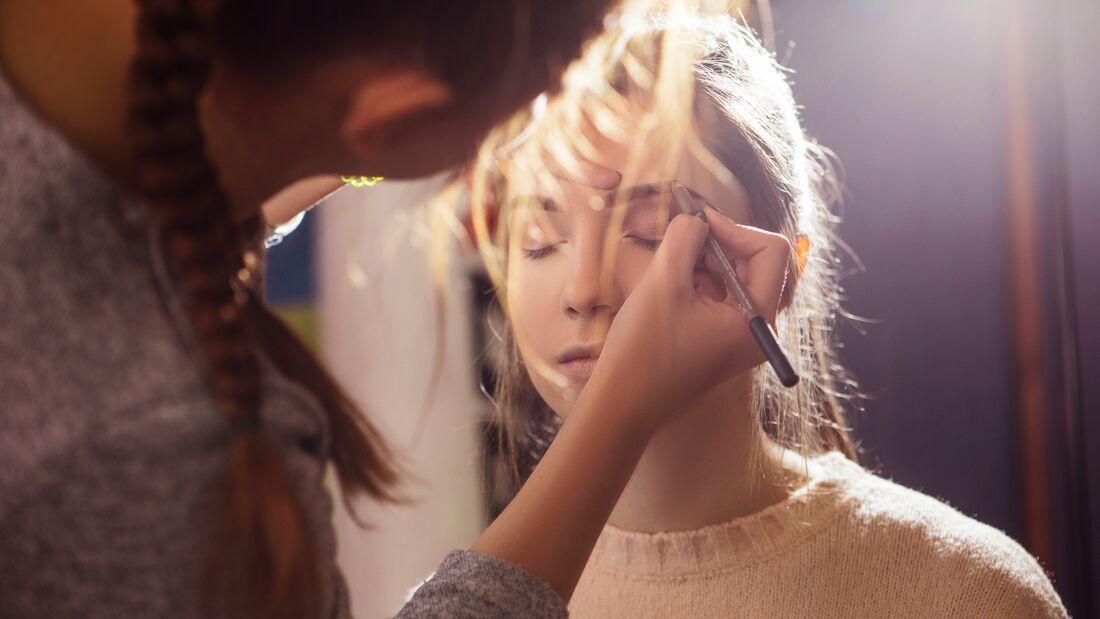 Beauty-Sünde: Augenbrauen verzupft