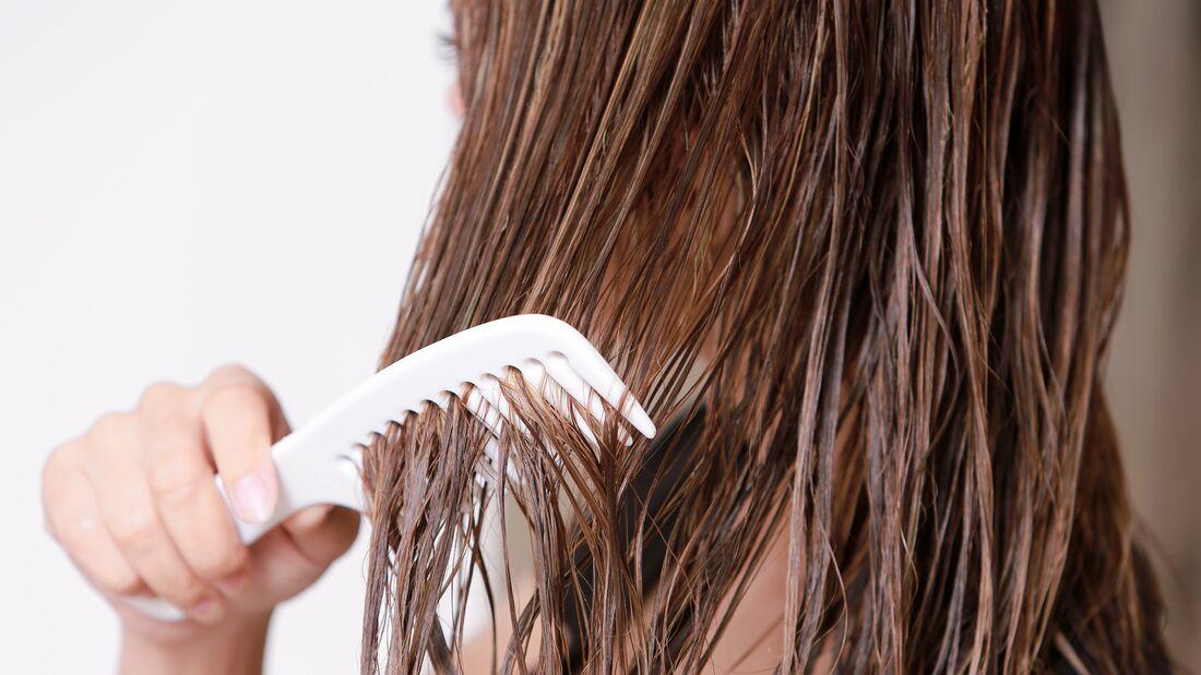 Beauty-Sünde: Nasse Haare bürsten