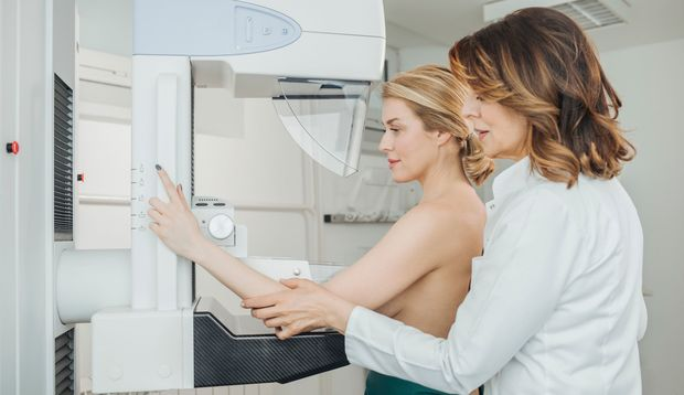 Bei Verdacht auf Brustkrebs sollte man eine Mommographie machen lassen