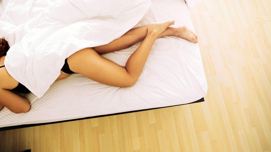 Bettwäsche aus dem Kühlschrank hilft beim Einschlafen