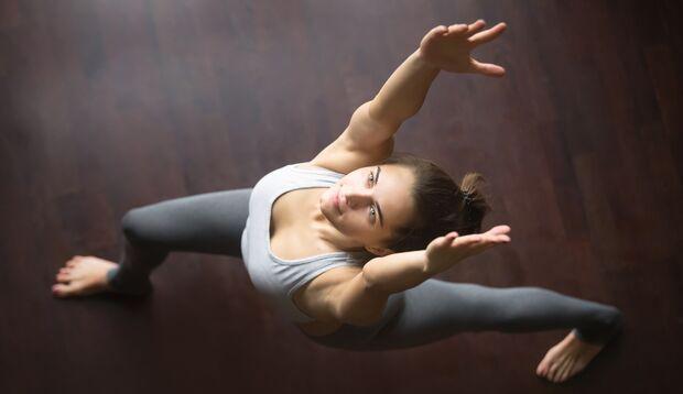 Bevor Sie nach einem aufwühlenden Tag die Yogamatte ausrollen und losturnen – kommen Sie erst einmal zur Ruhe