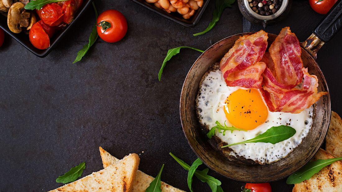 Bio-Bacon und Eier sind gesunde Fettlieferanten