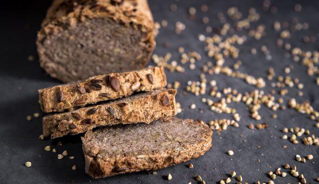Buchweizenmehl ist nicht nur eine einfache, sondern auch eine echt gesunde Alternative zu herkömmlichem Weizenmehl