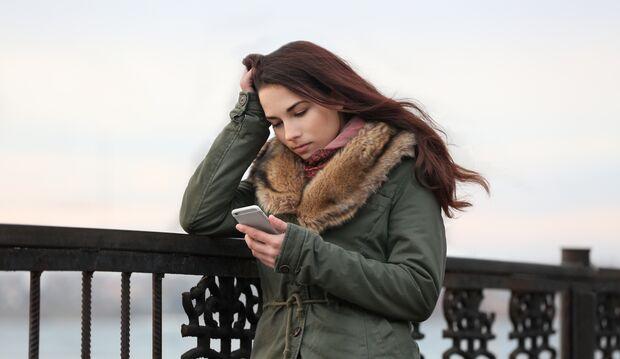 Das wichtigste bei längeren Phasen der Niedergeschlagenheit: Hol dir professionelle Hilfe