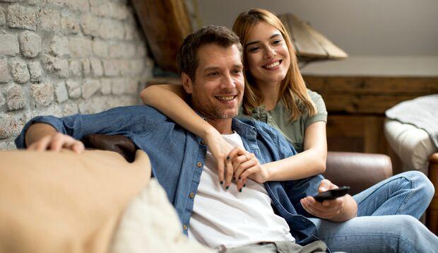 Der Austausch über das Seriengeschehen hat den gleichen Wert wie andere Paar-Aktivitäten
