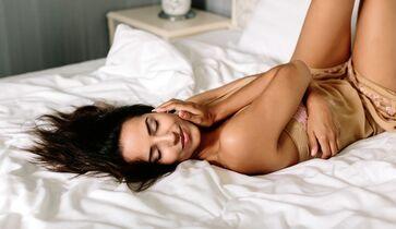 Bilder von Frauen beim Masturbieren