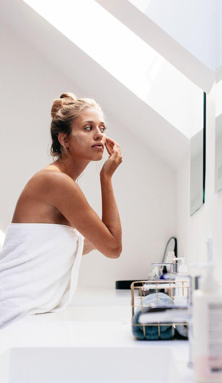 Die optimale Hautpflege besteht nicht nur aus Cremes