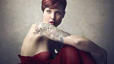 Die richtige Pflege bei frisch gestochenen Tattoos ist wichtig