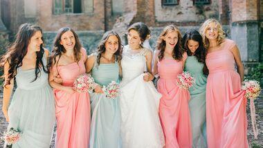 Die schönsten Outfits für Hochzeitsgäste