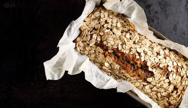 Dieses Brot ist vegan, glutenfrei und kommt obendrein ganz ohne Mehl aus.