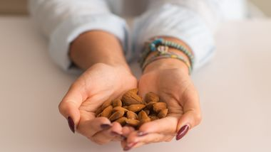 Eine Handvoll Nüsse darfst du pro Tag essen