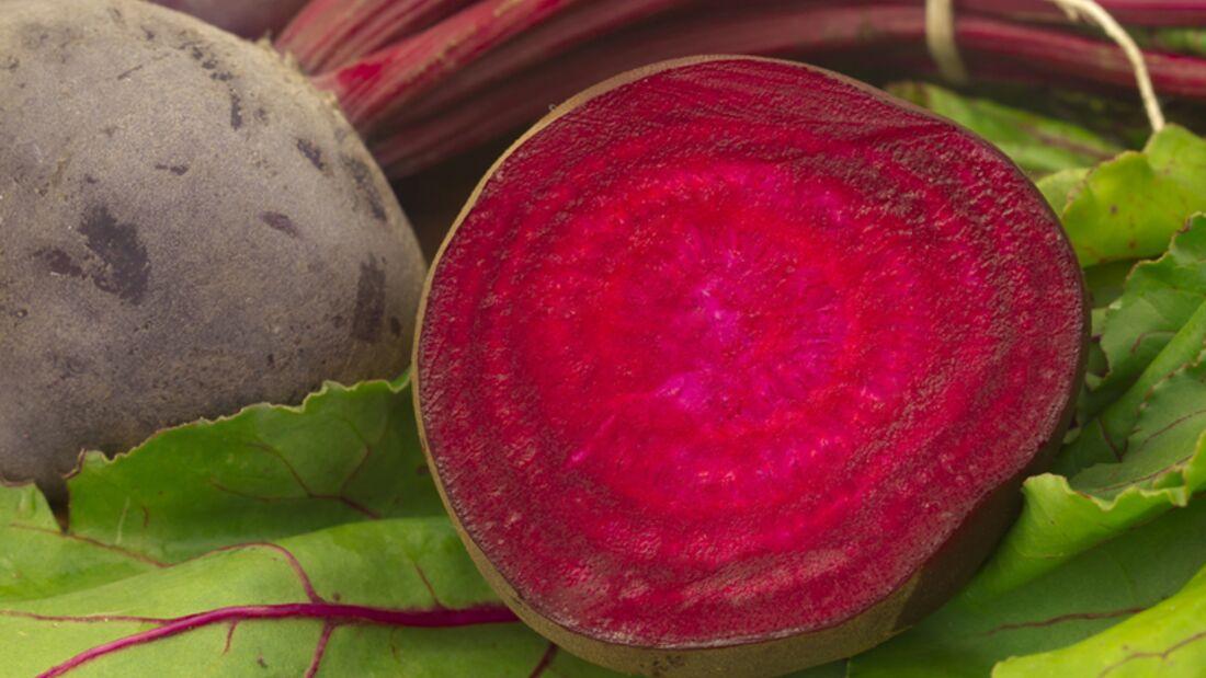 Eine Portion Rote Bete (125 Gramm) enthält 116 Mikrogramm Folsäure