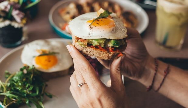 Eiweiß, gesunde Fette und komplexe Kohlenhydrate
