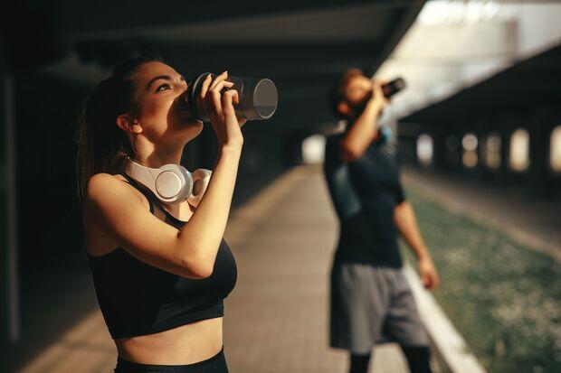 Eiweißpulver kann dich beim Muskelaufbau unterstützen