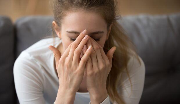 Emotionaler Stress kann das Herz ernsthaft gefährden, man spricht dann vom Broken-Heart-Syndrom.