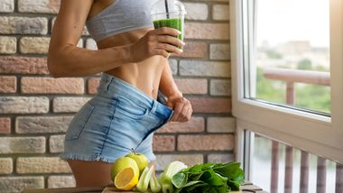 Fit,Woman,Drinking,Vegetable,Green,Detox,Smoothie.,Raw,Food,Diet