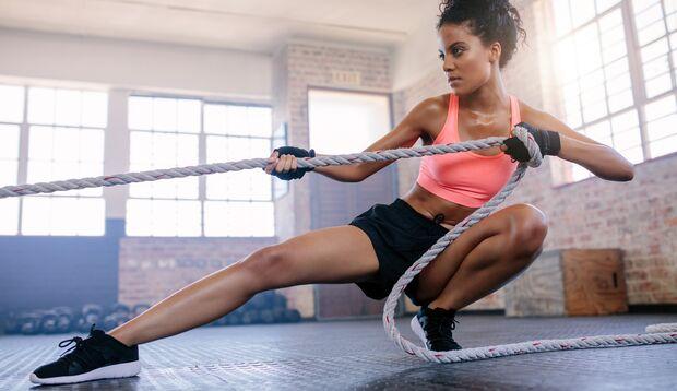 Gestalten Sie Ihre Workouts mit der Women's Health Personal Trainer App.