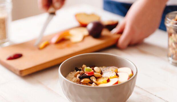 Gesundes Proteinmüsli am Morgen vertreibt Kummer und Sorgen