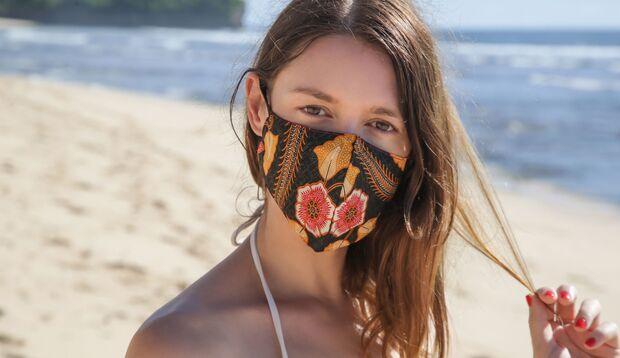Halte dich auch im Urlaub an die Abstand- und Hygiene-Regeln, um eine Infektion mit Coronaviren zu vermeiden