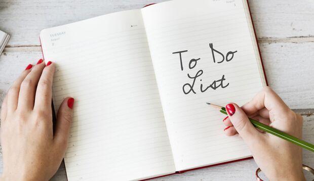Klingt banal, hilft aber enorm: Das Schreiben von To-do-Listen!