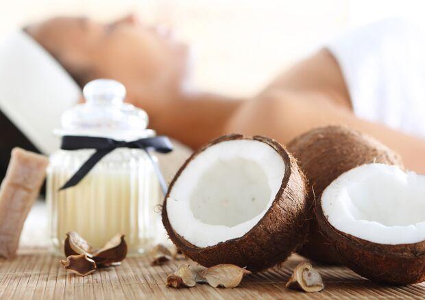 Kokosöl wird in Wellness-Instituten gern auch als Duftöl verwand