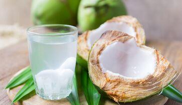 Kokoswasser wird verwendet, um Gewicht zu verlieren