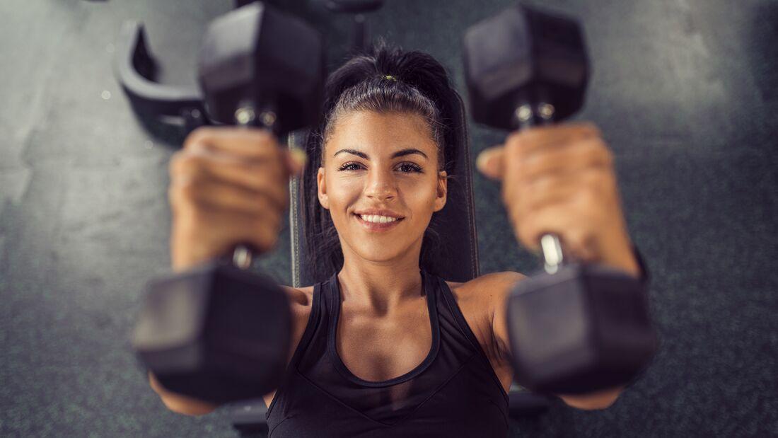 Krafttraining fördert nicht nur deine Muskeln, sondern auch deine Gesundheit