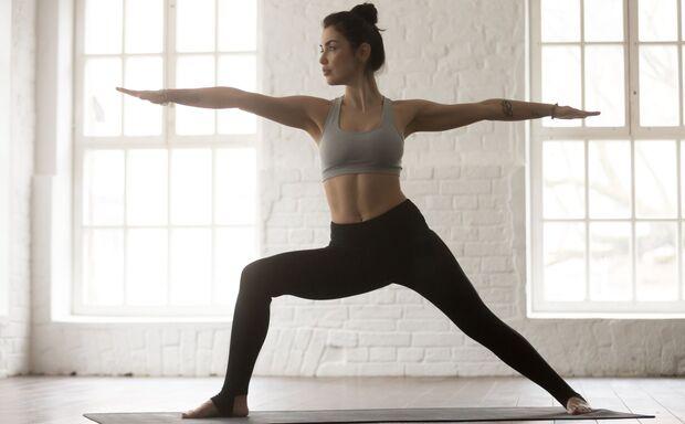 Krieger II Yoga zum Abnehmen
