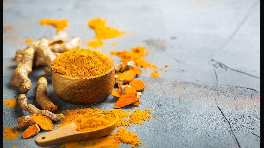 Kurkuma gibt es als Pulver, Tee, Paste und als Nahrungsergänzungsmittel