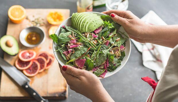 Lecker, Salat! Salate sind ideal beim Abnehmen mit Ernährungsplan