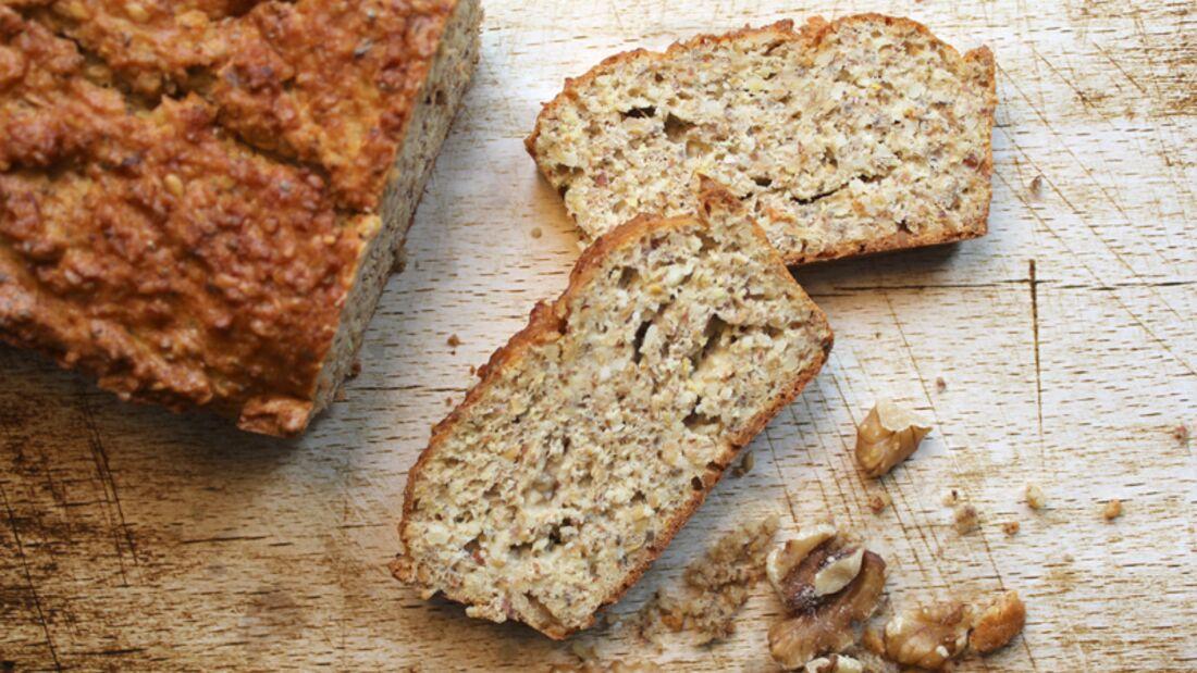 Low Carb-Brot mit Leinsamen und Chia