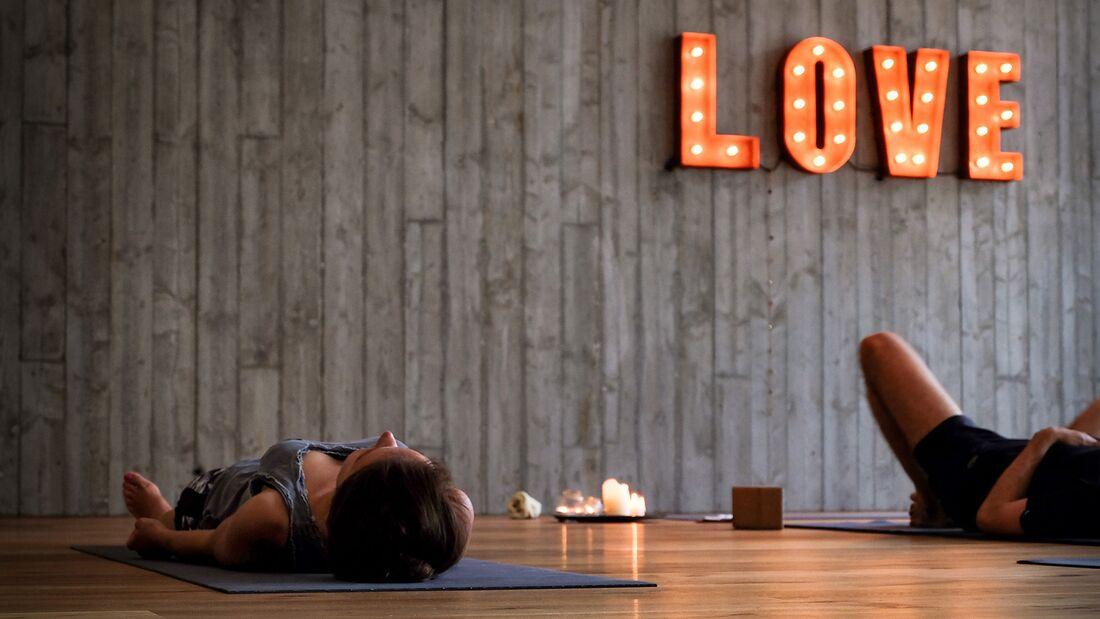 Machen Sie eine Yoga Reise!