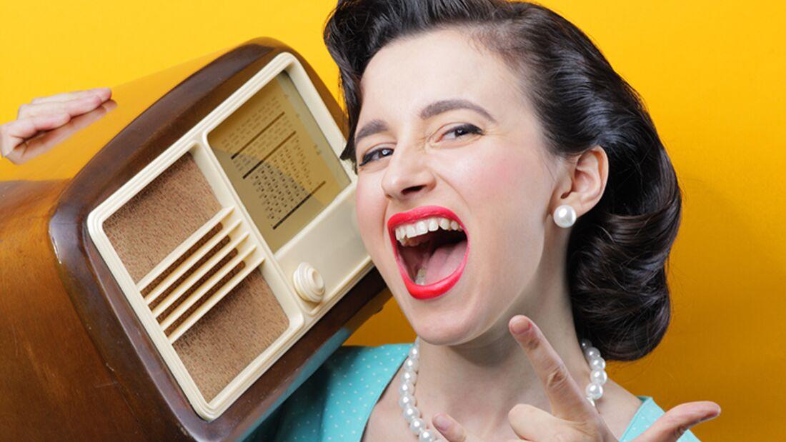 Männer verstehen: Am Radio rumspielen während er fährt