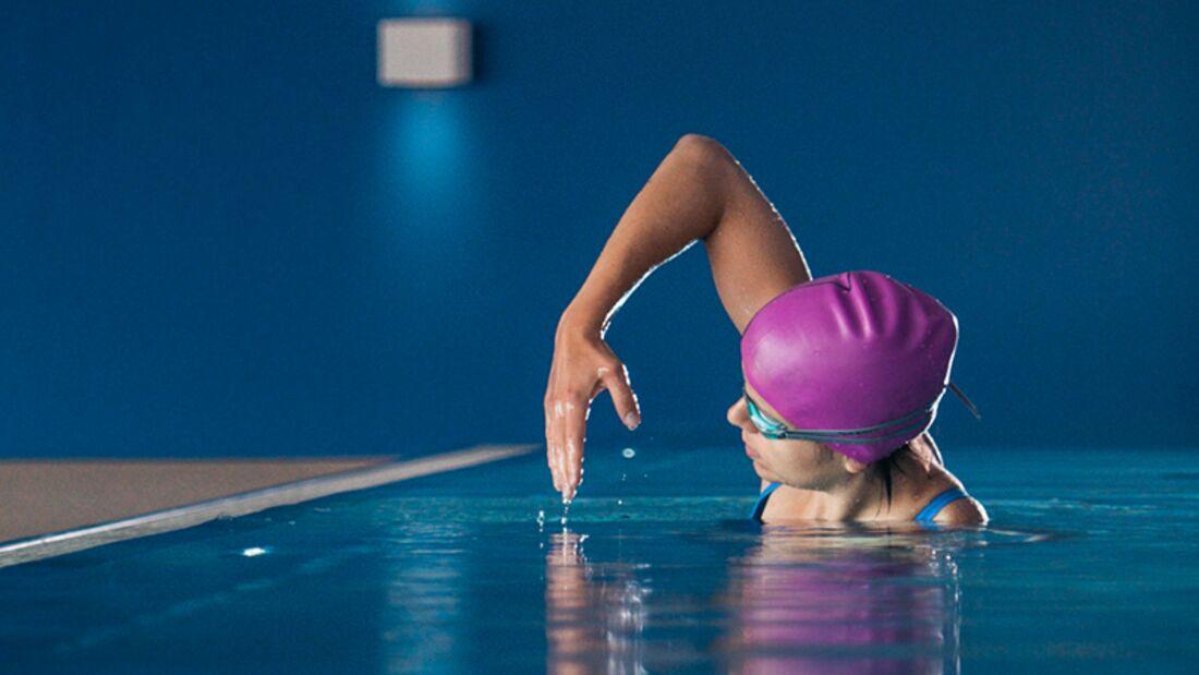 Martina will schneller schwimmen