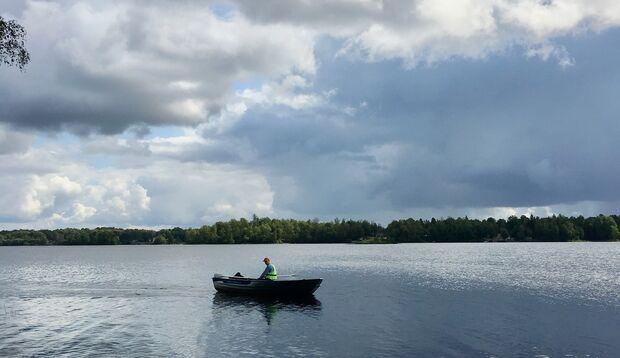 Mit dem Boot auf die Schären