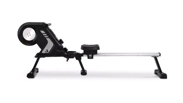 Mit dem Merax Rudergerät kannst du sogar andere Kraftübungen machen