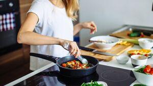Mit der Low-Carb-Ernährung kannst du schnell und nachhaltig Gewicht verlieren