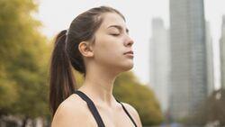 Mit der richtigen Atemtechnik kannst du deine Leistungen in jedem Workout verbessern.