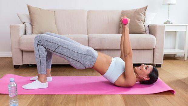 Mit nur minimalem Aufwand kannst du zuhause effektiv und schnell trainieren