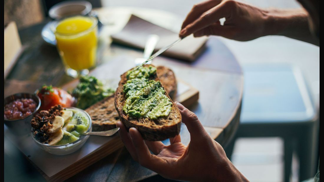 Omega-3-Fettsäuren sind unter anderem in Avocados enthalten
