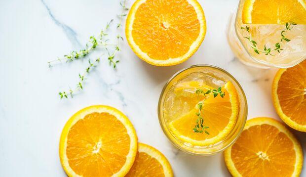 Orangen schmecken pur und als Saft