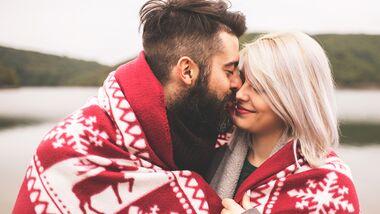 Panik vor der Weihnachtssause? So feiern Paare friedlich