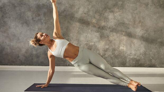 Planking beansprucht den gesamten Körper und gehört zu Jennifer Anistons Lieblings-Übung