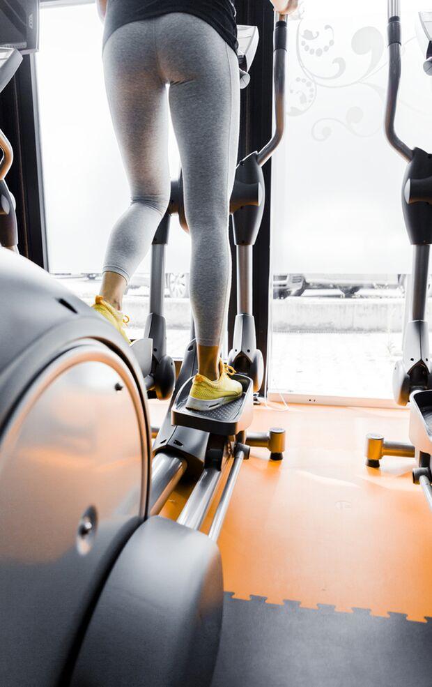 Richtig eingesetzt ist der Crosstrainer ein super Cardio-Gerät für Anfänger und Profis.